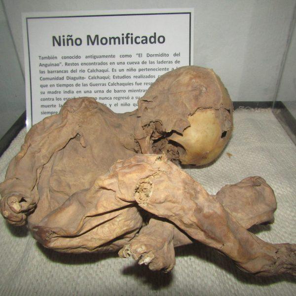NIÑO MOMIFICADO